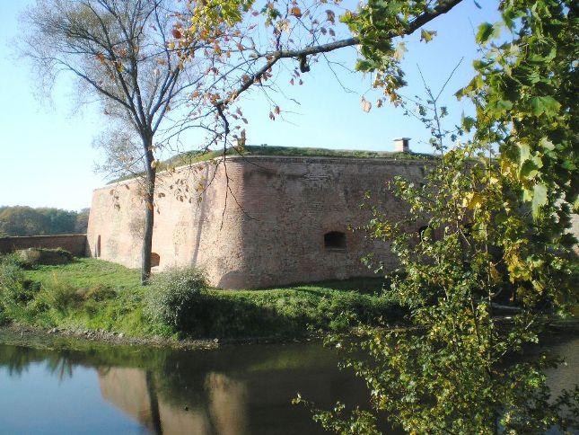 Einer der drei Zugänge - die Bastion Philipp